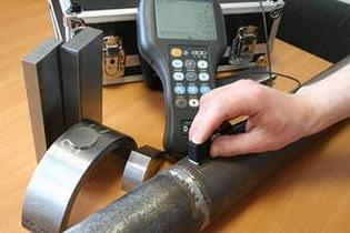 Эталон проводит ультразвуковой контроль сварных соединений в ручном и автоматическом режиме